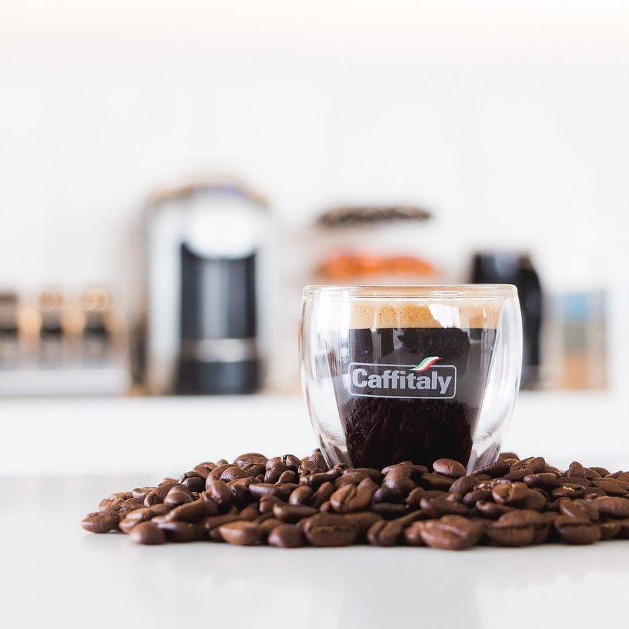 NÁPOJOVÁ AMBULANCE - Caffitaly káva ve skle
